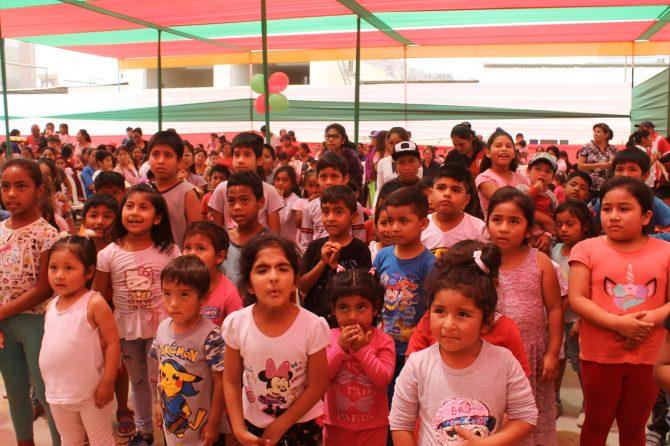 SHOW INFANTIL Y ENTREGA DE REGALOS PARA USUARIOS LANFRANQUINOS